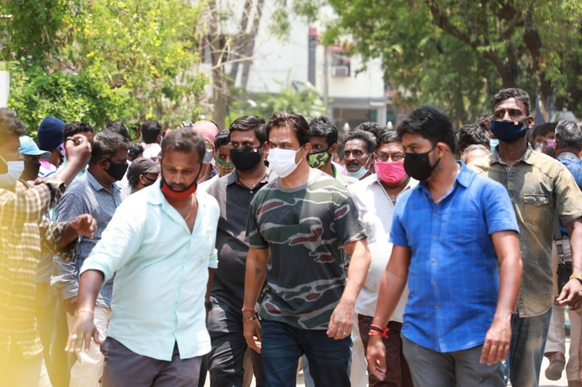 Celebs Pay Last Respect To Actor Vivek Photos