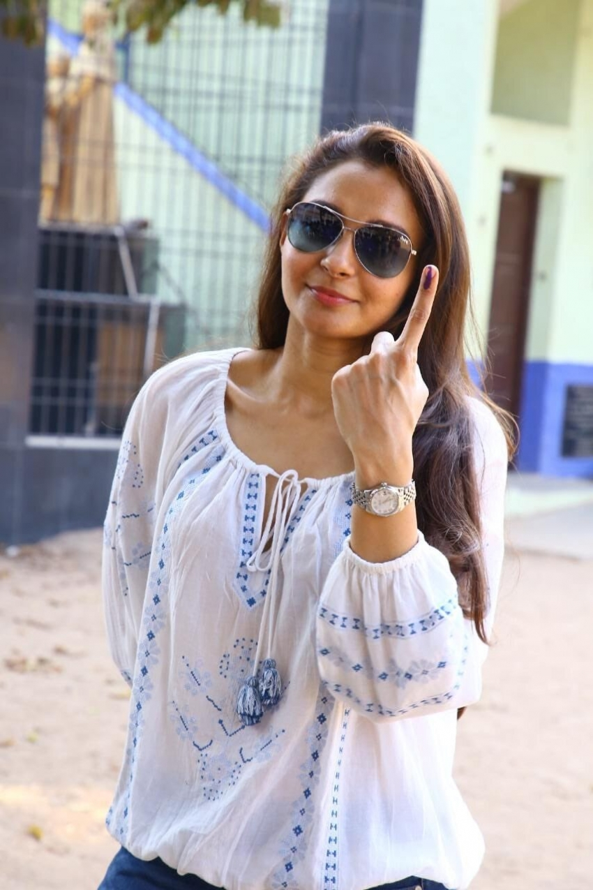 Celebs Vote Tamil Nadu Election 2021 Photos