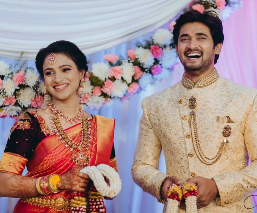 Chandan Kumar and Kavitha Gowda Engagement Photos