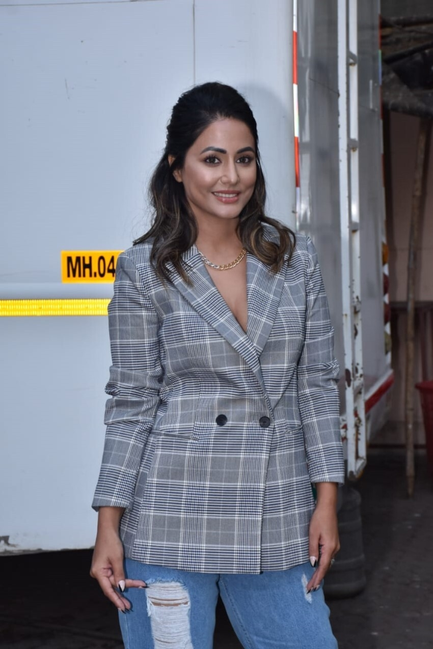 Hina Khan Photos