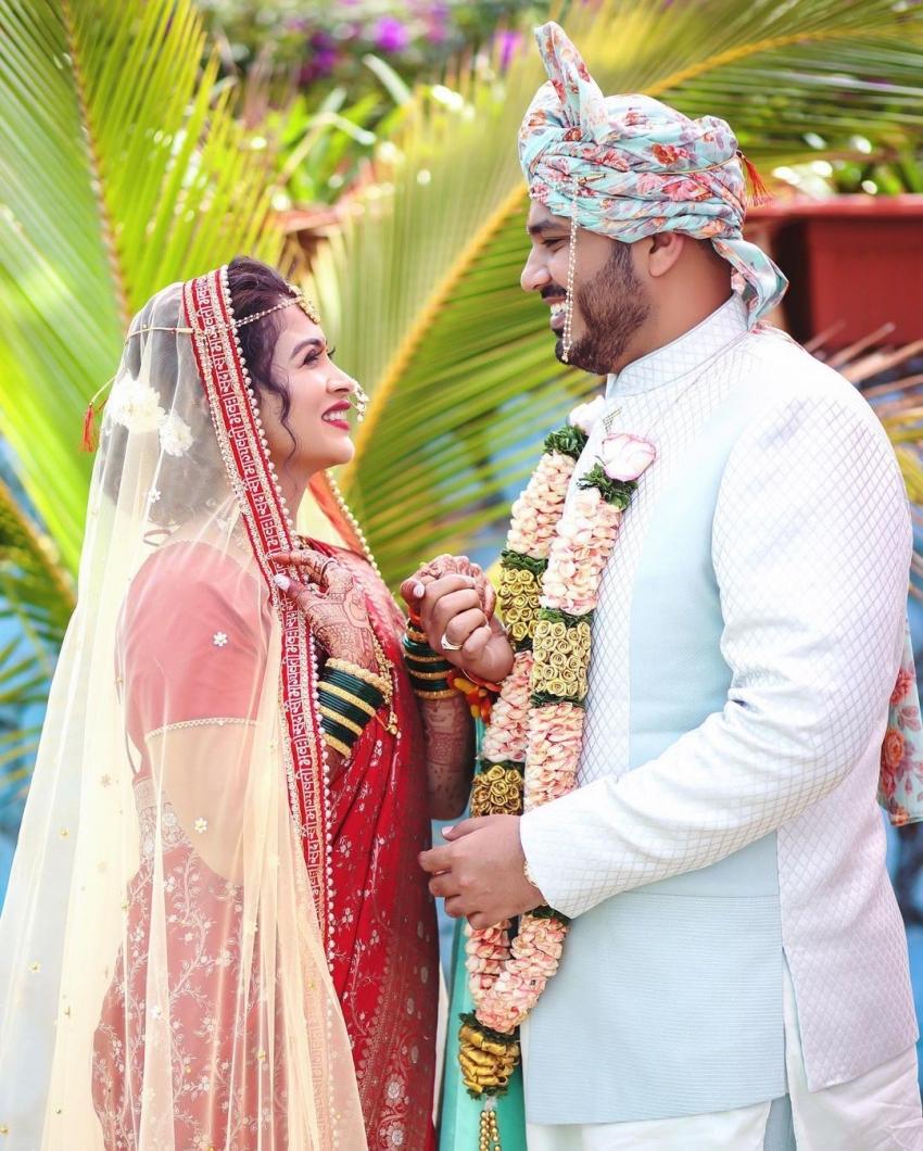 Actress Ruchita Jadhav Ties The Knot with Mumbai-based Businessman Anand Mane Photos