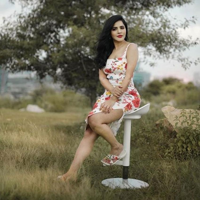 Ashu Reddy Photos