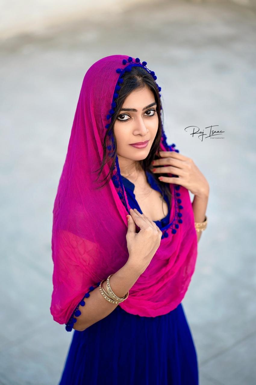 Dharsha Gupta Photos