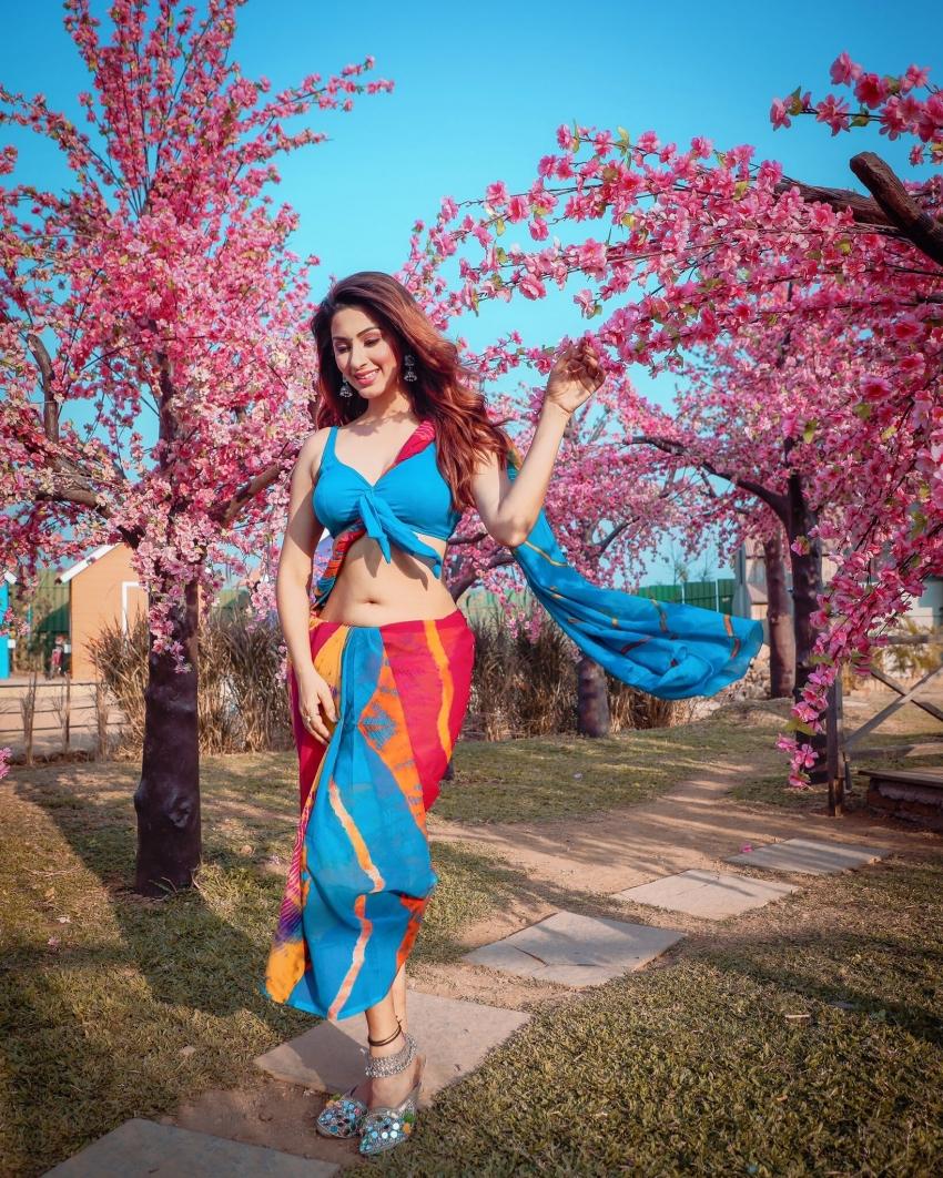 Esshanya S Maheshwari Photos