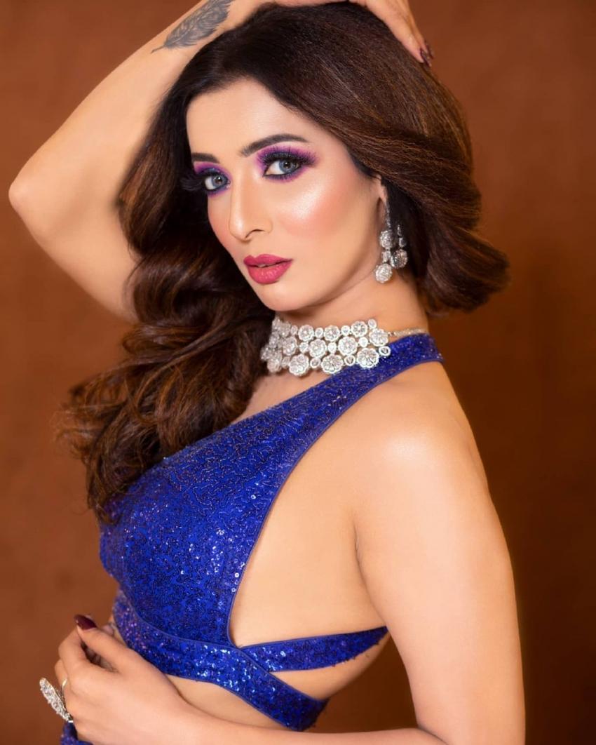 Heena Panchal Photos