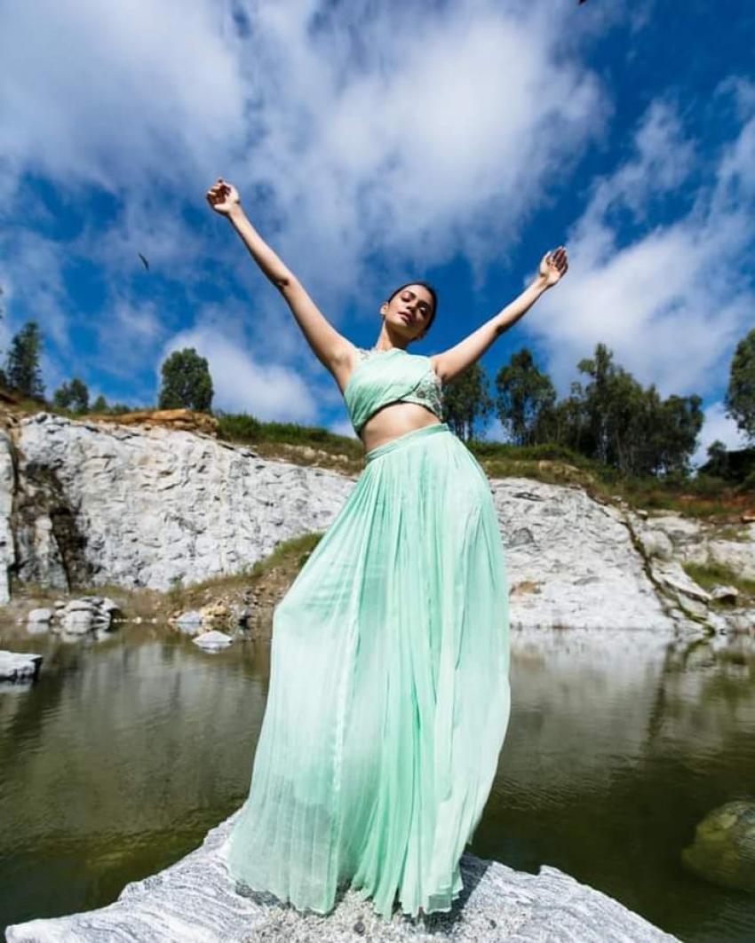 Nimika Ratnakar Photos