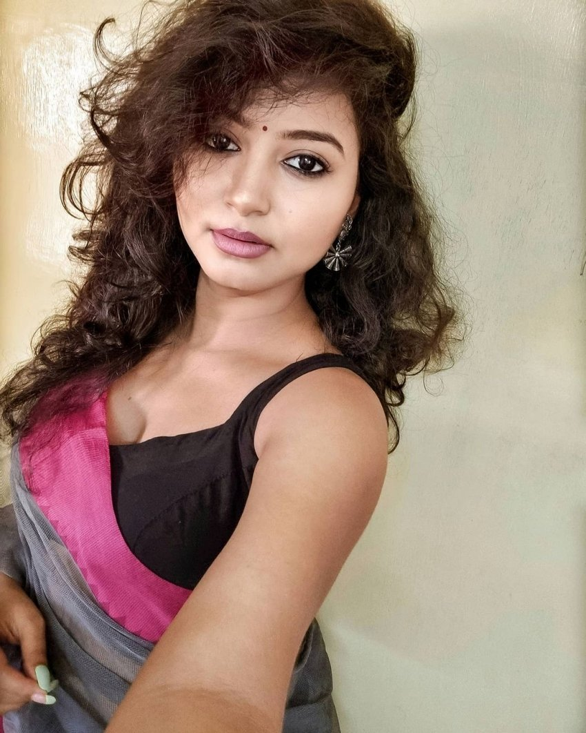 Sayani Pradhan Photos