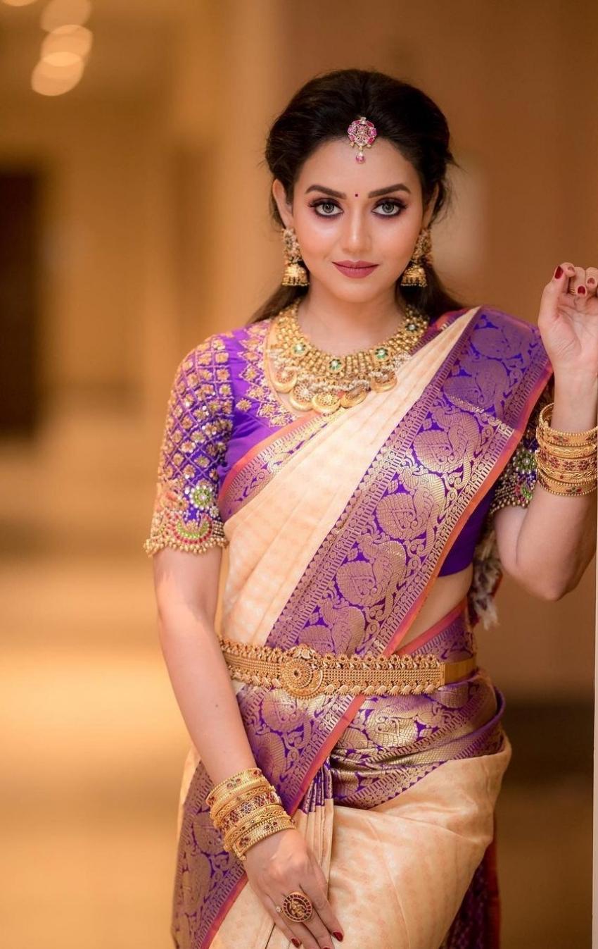 Vidya Pradeep Photos