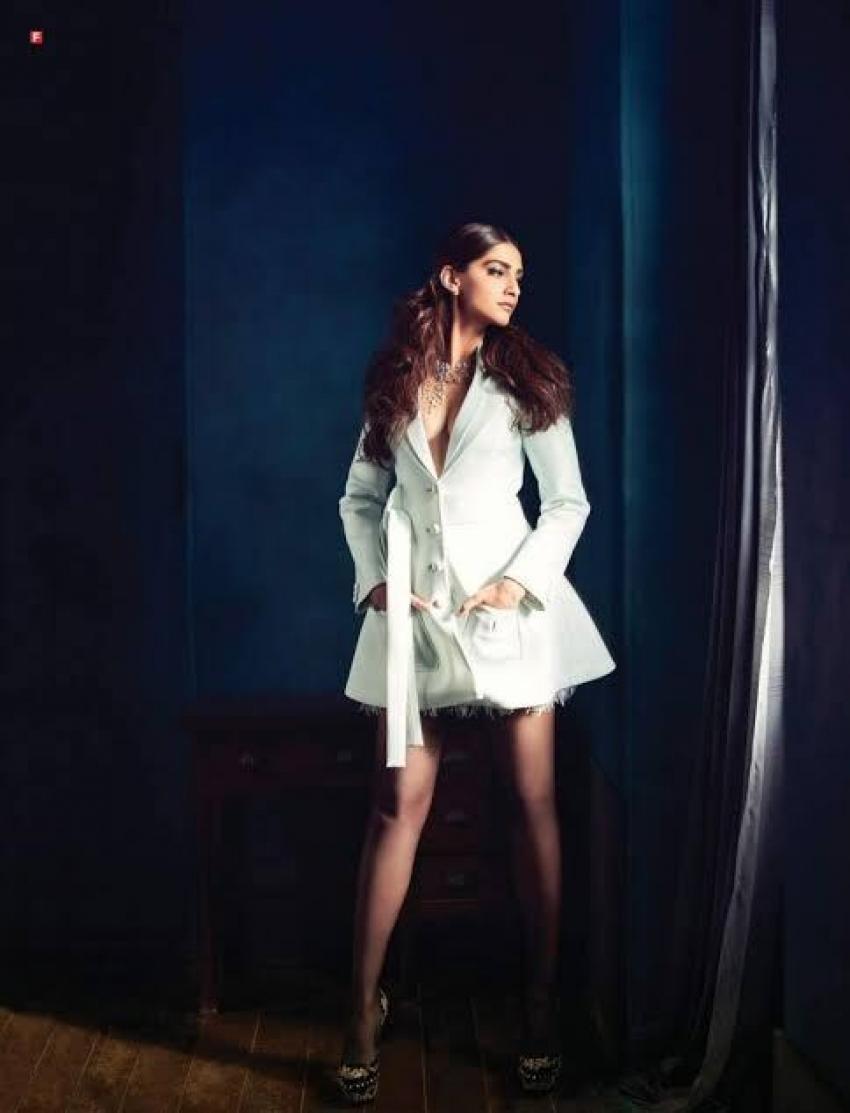 फैशन क्वीन सोनम कपूर की ग्लैमरस तस्वीरें