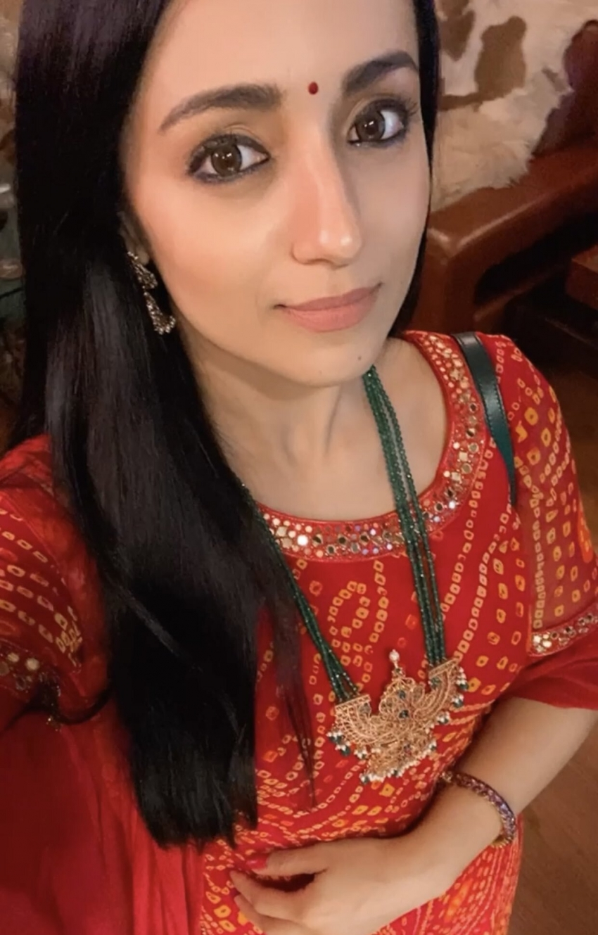 ப்பா.. சேலை முதல் பிகினி வரை.. நடிகை த்ரிஷாவின் அசத்தல் போட்டோஸ்!