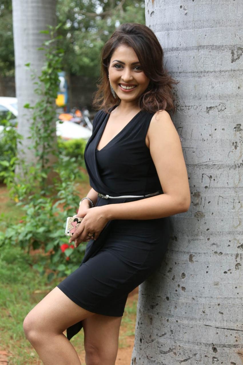 Madhu Shalini Photos