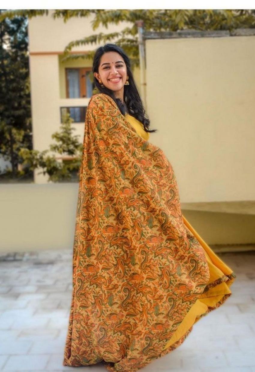 Mirnalini Ravi Photos