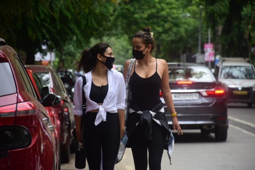 Neha Sharma & Aisha Sharma spotted in Bandra Photos