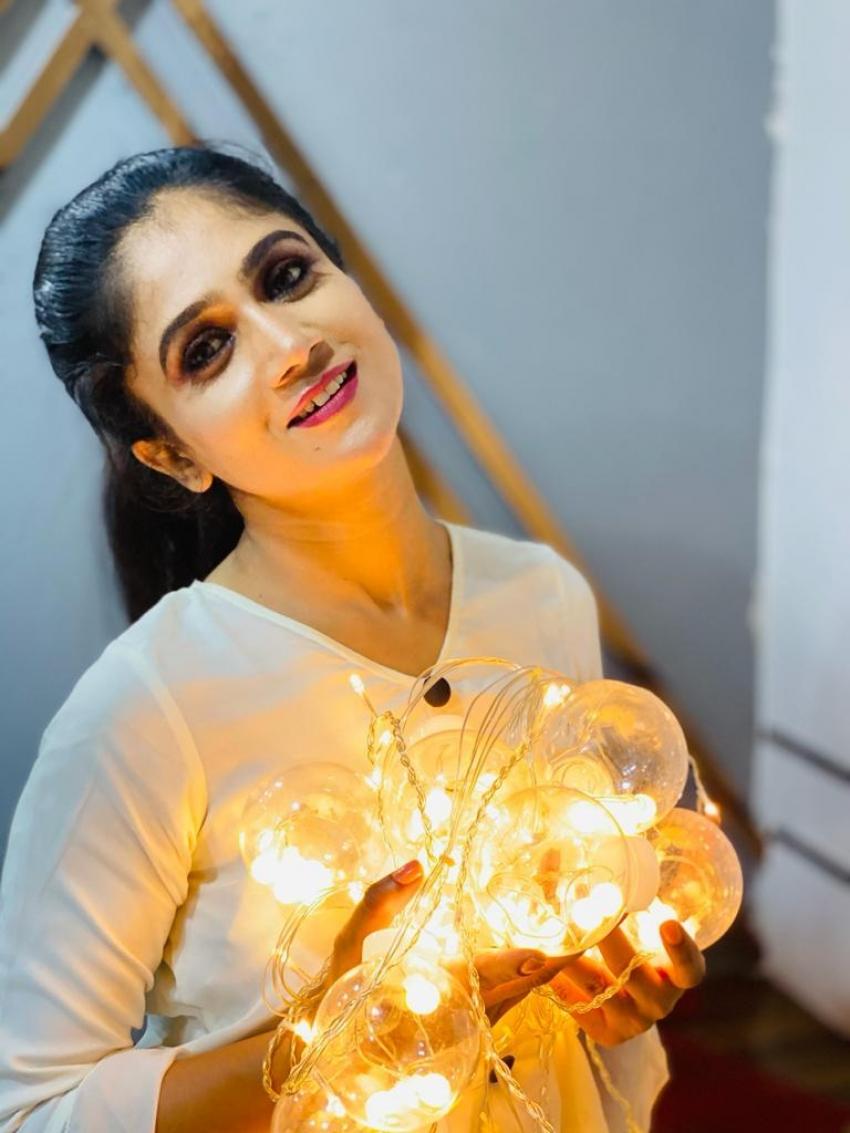 கன்னடத்து குயின்.. 'இவன் தான் உத்தமன்' நடிகை சாரா வெங்கடேஷின் சூப்பர் கூல் போட்டோஸ்!