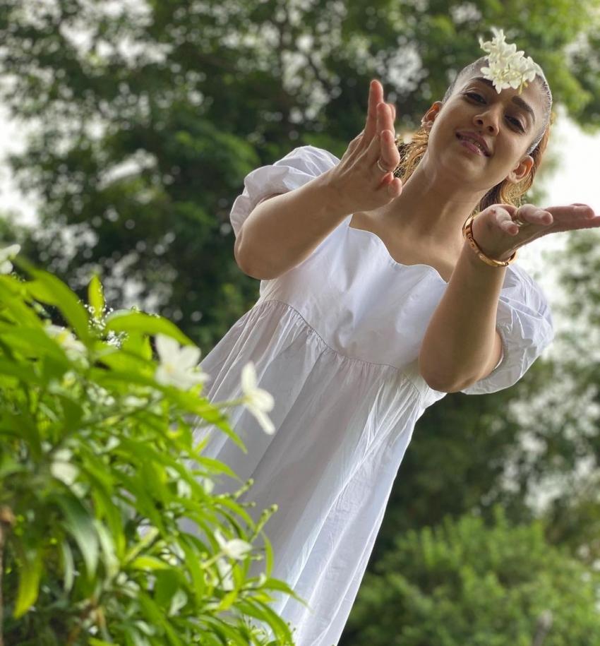 ലേഡി സൂപ്പര്സ്റ്റാര് ഇനി ബോളിവുഡിലേക്ക്; താരസുന്ദരിയുടെ ചിത്രങ്ങള് കാണാം