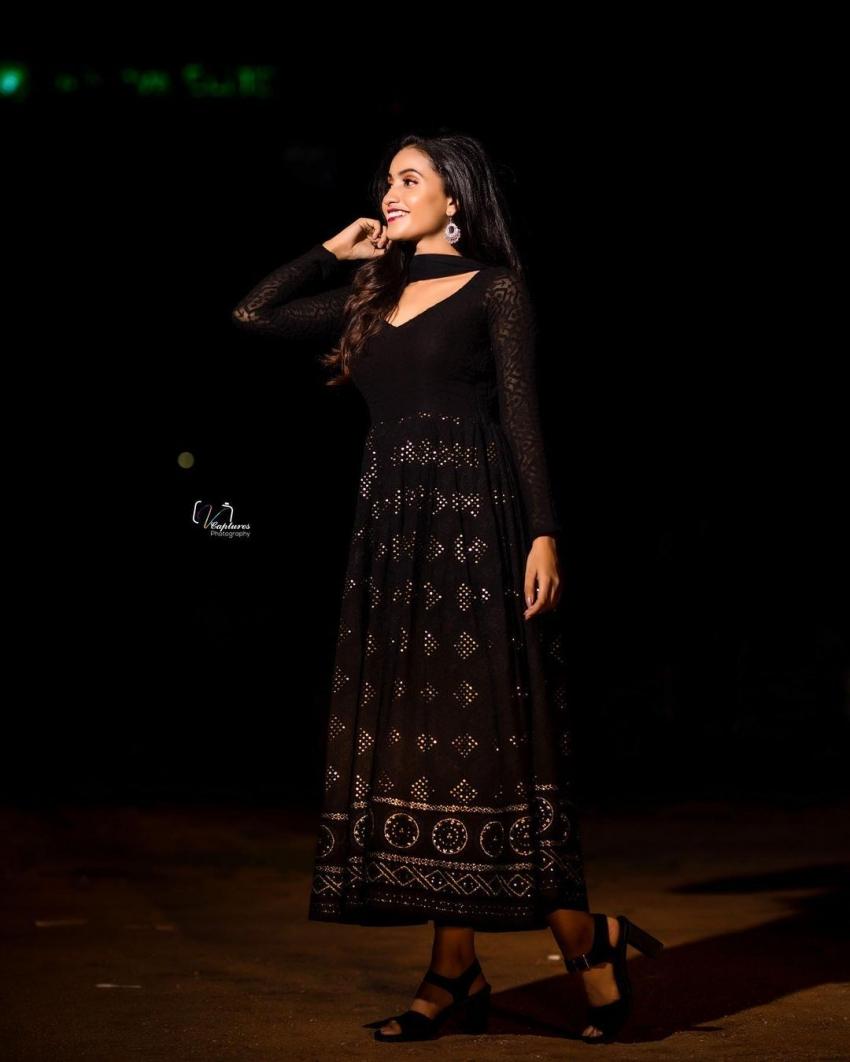 Dhee Fame Deepika Pilli అందాల విందు.. మోడ్రన్ డ్రెస్లో ఇలా ఎప్పుడైనా చూశారా?