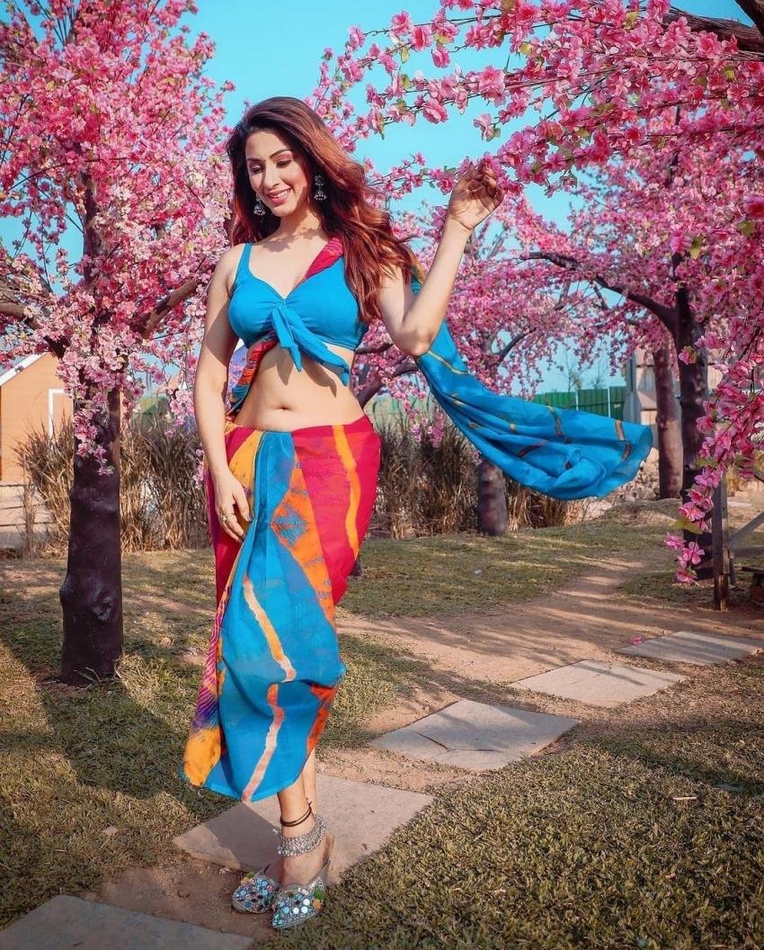 Eshanya Maheshwari Photos