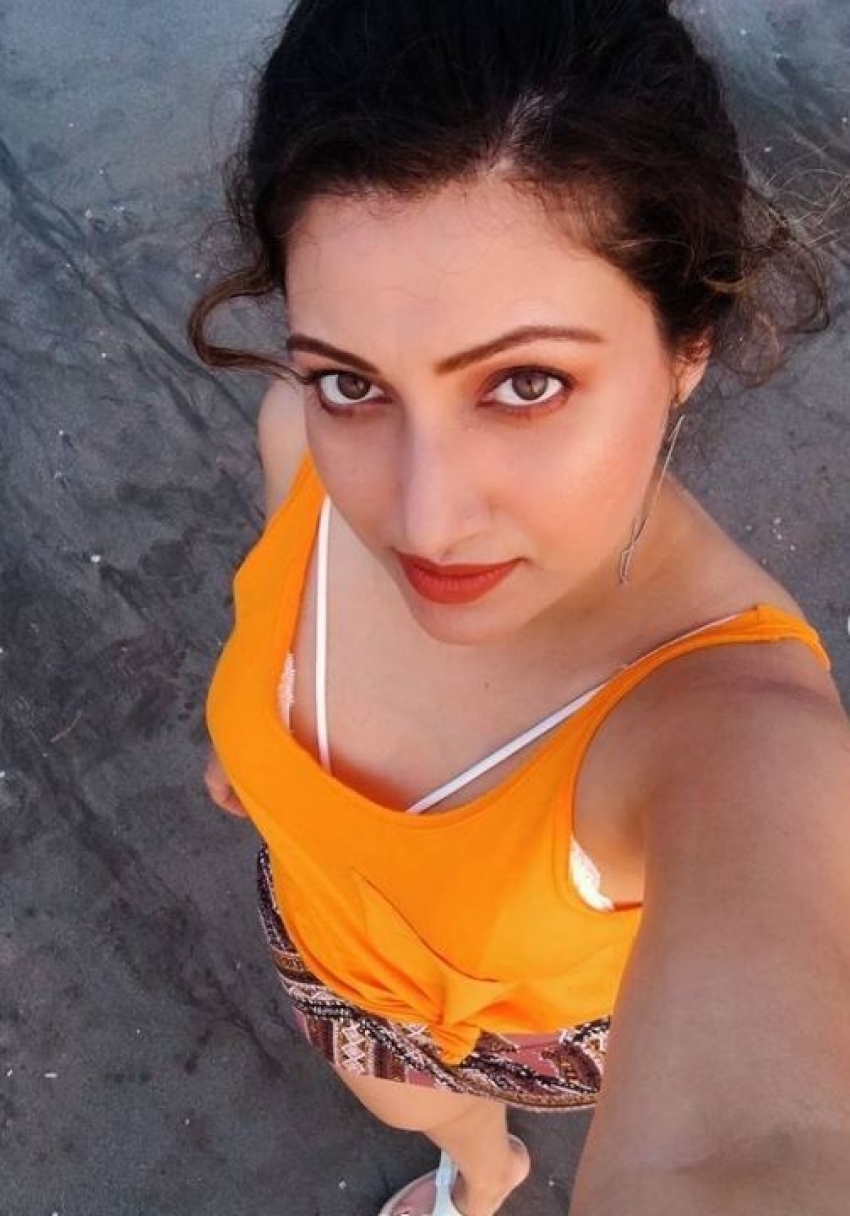 స్కీన్ షోతో హంసా నందినీ హల్చల్: తడిచిన అందాలతో కాక రేపుతోన్న టాలీవుడ్ బ్యూటీ
