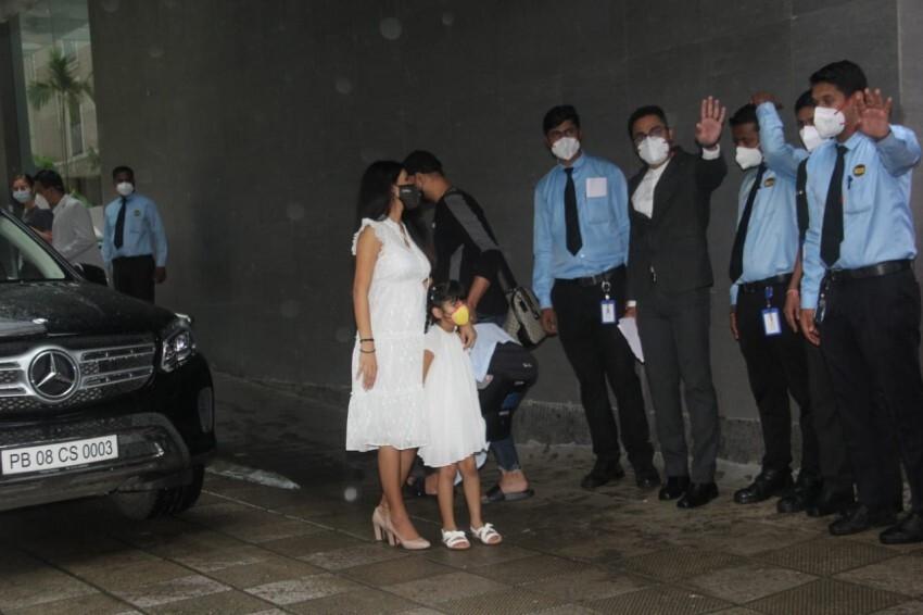 Harbhajan Singh & Geeta Basra With The Newborn Baby At Hinduja Hospital Photos