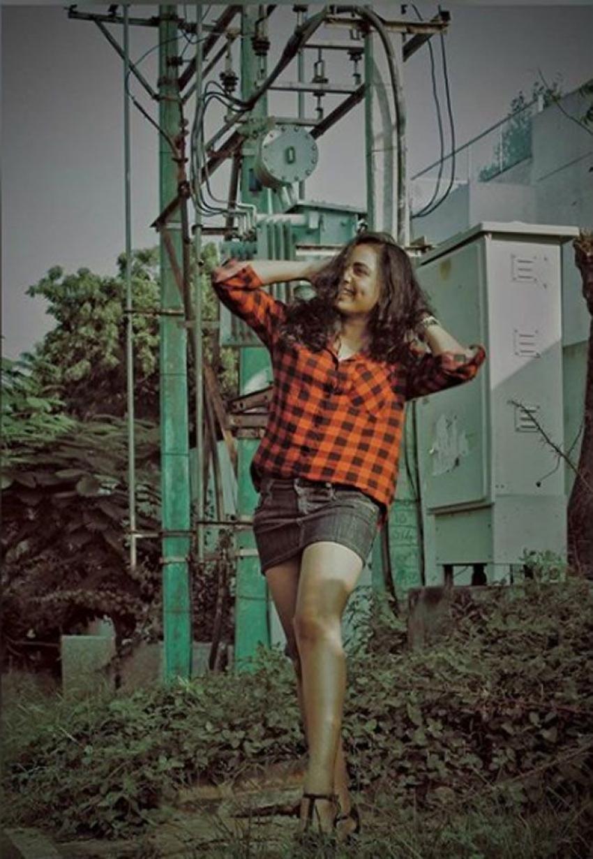 നടി സൃഷ്ടി ദാംഗെയുടെ ഗ്ലാമറസ് ലുക്ക് ചിത്രങ്ങള് പുറത്ത്, കാണാം