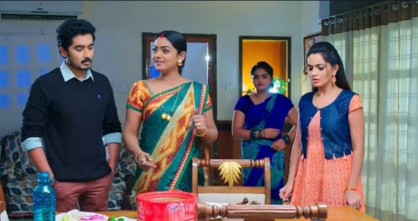 Karthika Deepam మోనిత బండారం బయటపెట్టిన దీప.. బిర్యాని, లెగ్ పీస్ అంటూ