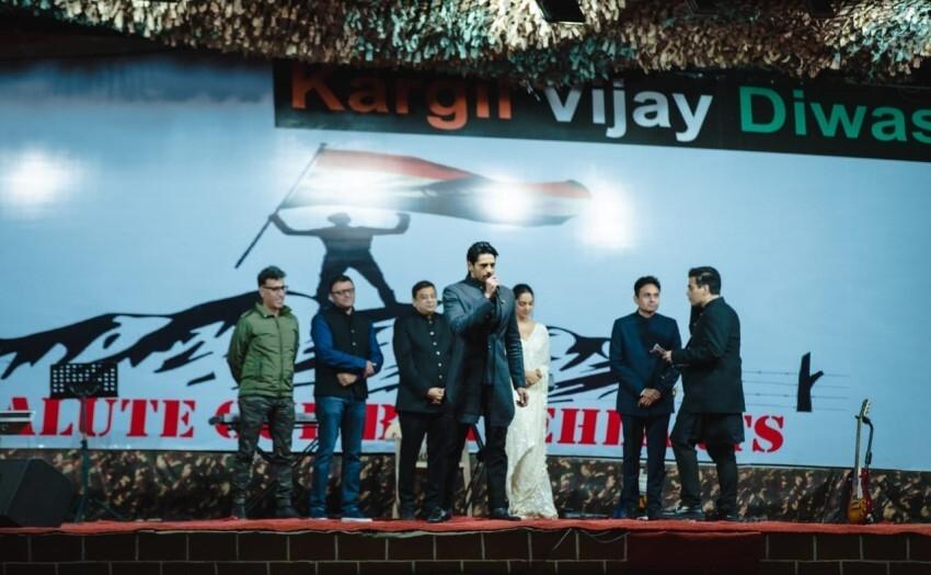 Kiara Advani, Sidharth Malhotra & others celebs at trailer launch of 'Shershaah' Photos