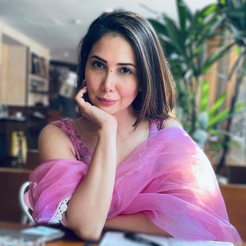 Kim Sharma డేటింగ్ లైఫ్, అఫైర్లు .. 7 గురు సెలబ్రిటీలతో బ్రేకప్స్.. వారెవరంటే..