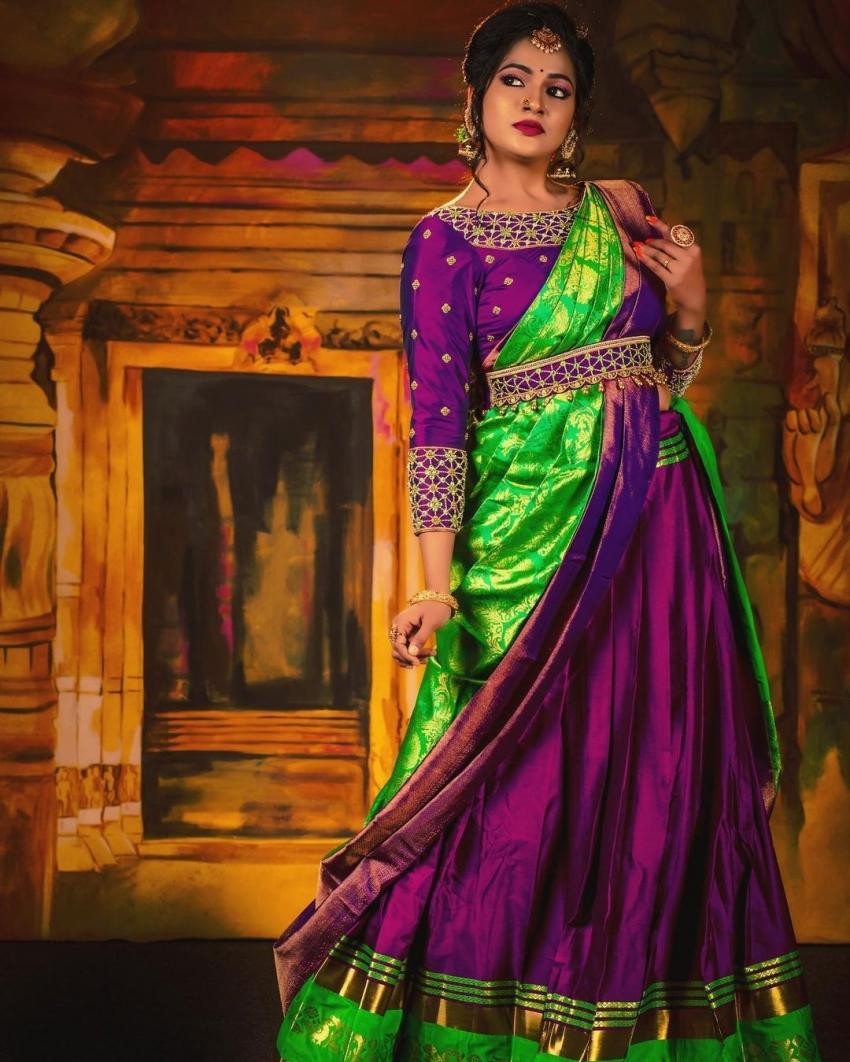 மறைந்த சின்னத்திரை நடிகை விஜே சித்ராவின் கடைசி   போட்டோ ஷூட்.. மனதை கனக்க வைக்கும் போட்டோஸ்!