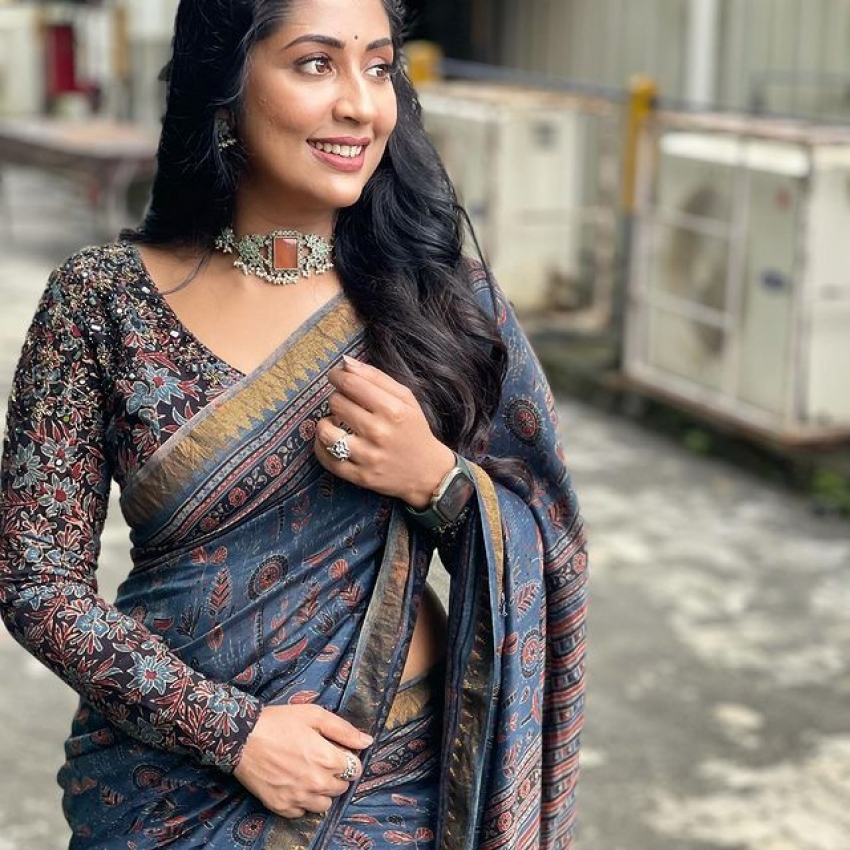 സാരിയിൽ  അതീവസുന്ദരിയായി നവ്യ, പുതിയ ചിത്രം  വൈറലാകുന്നു
