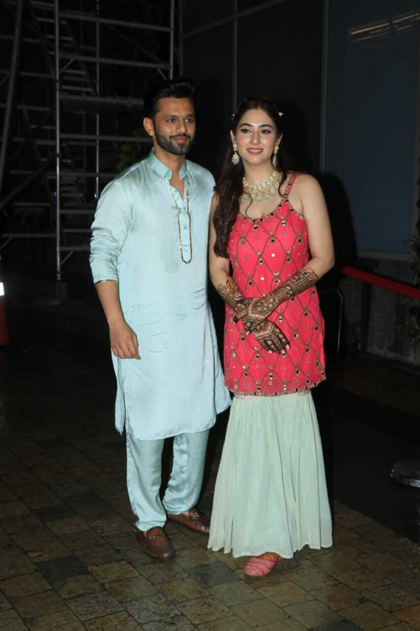 Rahul Vaidya will be seen in Dishas house to attend the Mehendi Function Photos