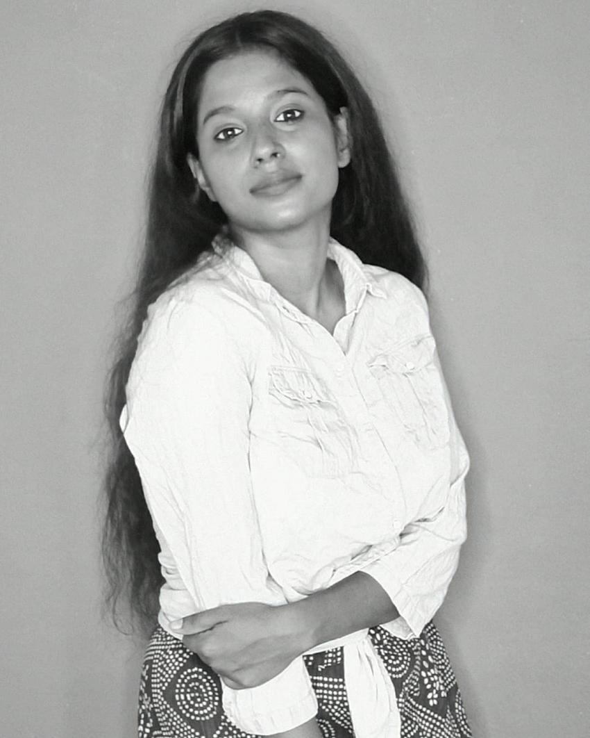 அட நம்ம சுந்தரி கேபியா இது.. எப்படியெல்லாம் போஸ் கொடுத்துருக்காங்க பாருங்க!