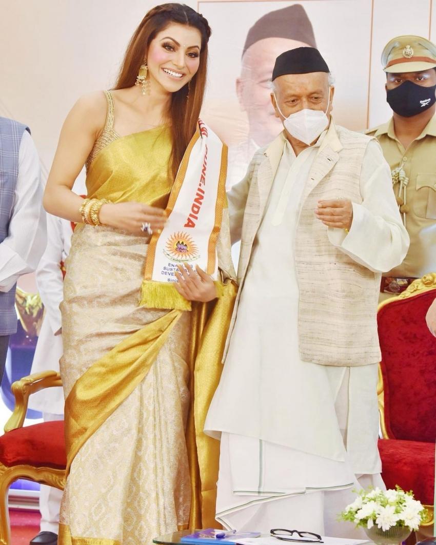 தேசிய விருது வென்ற ஊர்வசி ரவுத்தேலா.. சேலையில் என்னம்மா அழகா இருக்காரு!