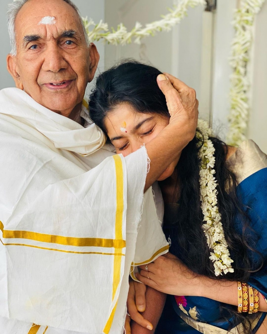 Sai  Pallavi ని ఇలా ఎప్పుడైనా చూశారా.. కుటుంబ సభ్యులతో బ్యూటీఫుల్ ఫొటోస్