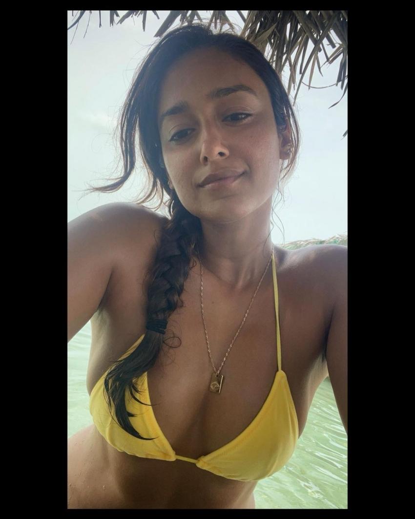Ileana D'Cruz  నెవ్వర్ బిఫోర్ అనేలా హాట్ స్టిల్స్!