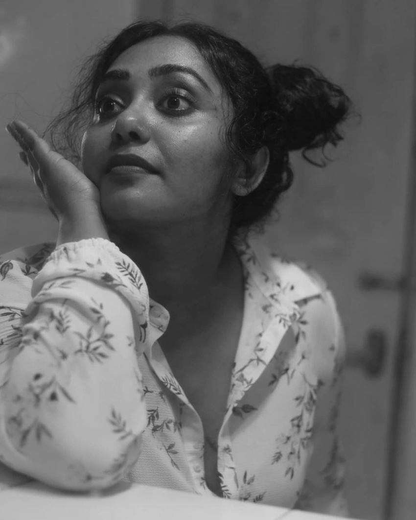 കിടിലന് ചിത്രങ്ങളുമായി നടി ഹിമ ശങ്കര്, ബിഗ് ബോസ് താരത്തിന്റെ വൈറല് ഫോട്ടോഷൂട്ട്