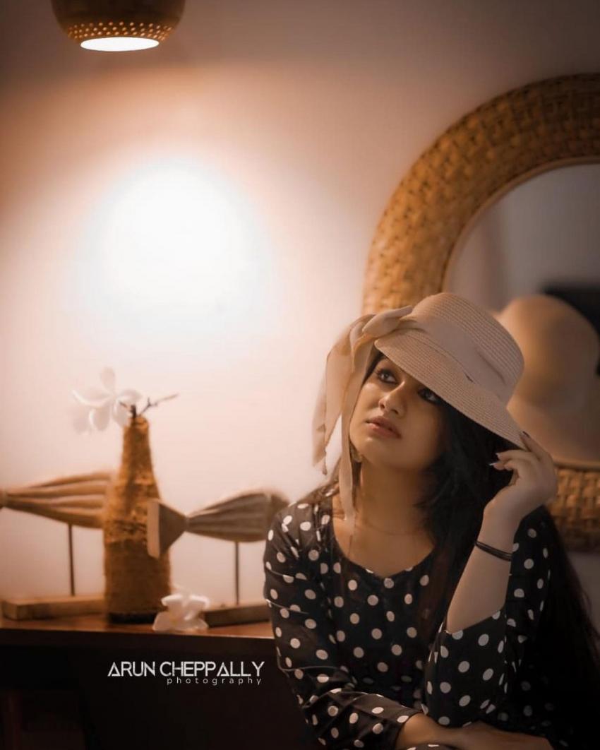 അതീവ സുന്ദരിയായി സീരിയൽ നടി മാൻവ,. ചിത്രങ്ങൾ കാണാം