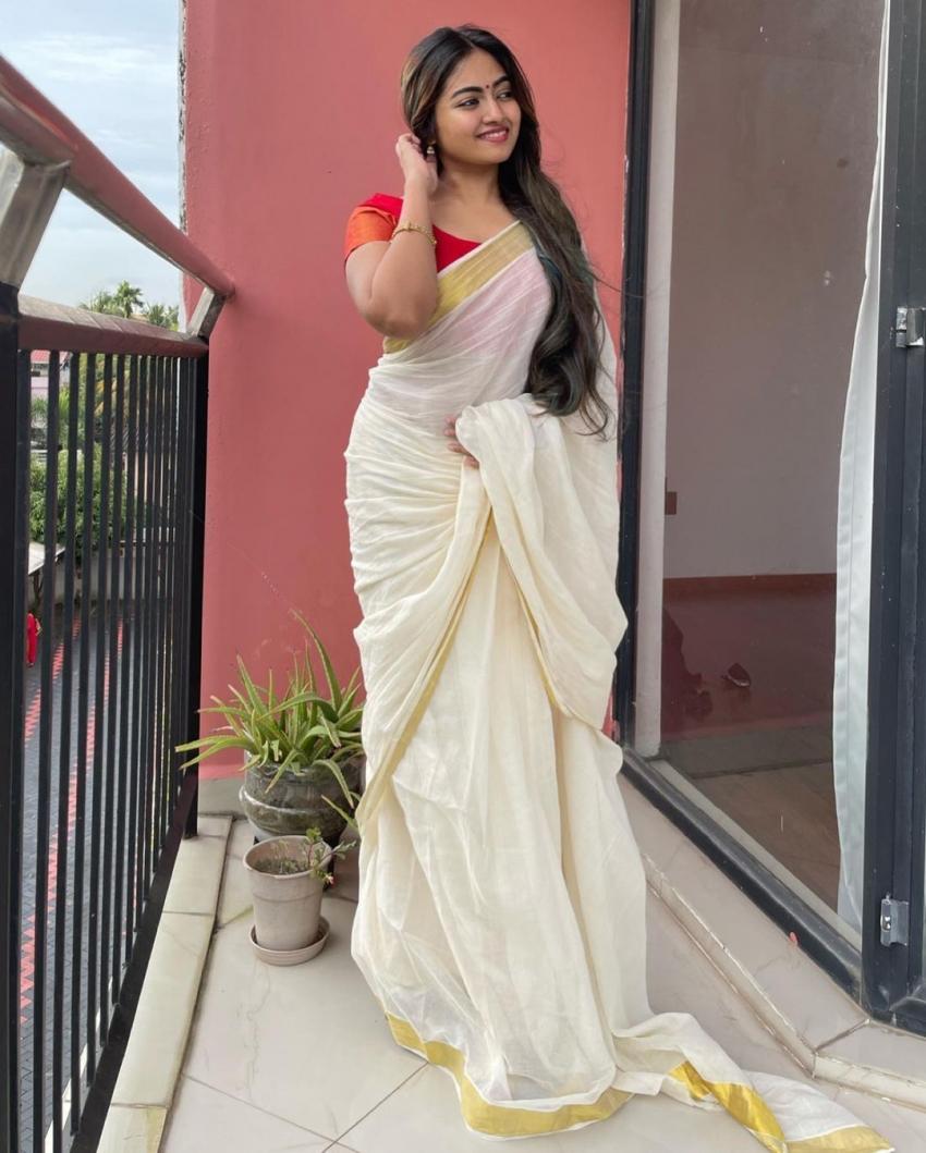 ശാലിന് സോയയുടെ ഓണം ലുക്ക് പൊളിച്ചു, അടിപൊളി ചിത്രങ്ങള് കാണാം