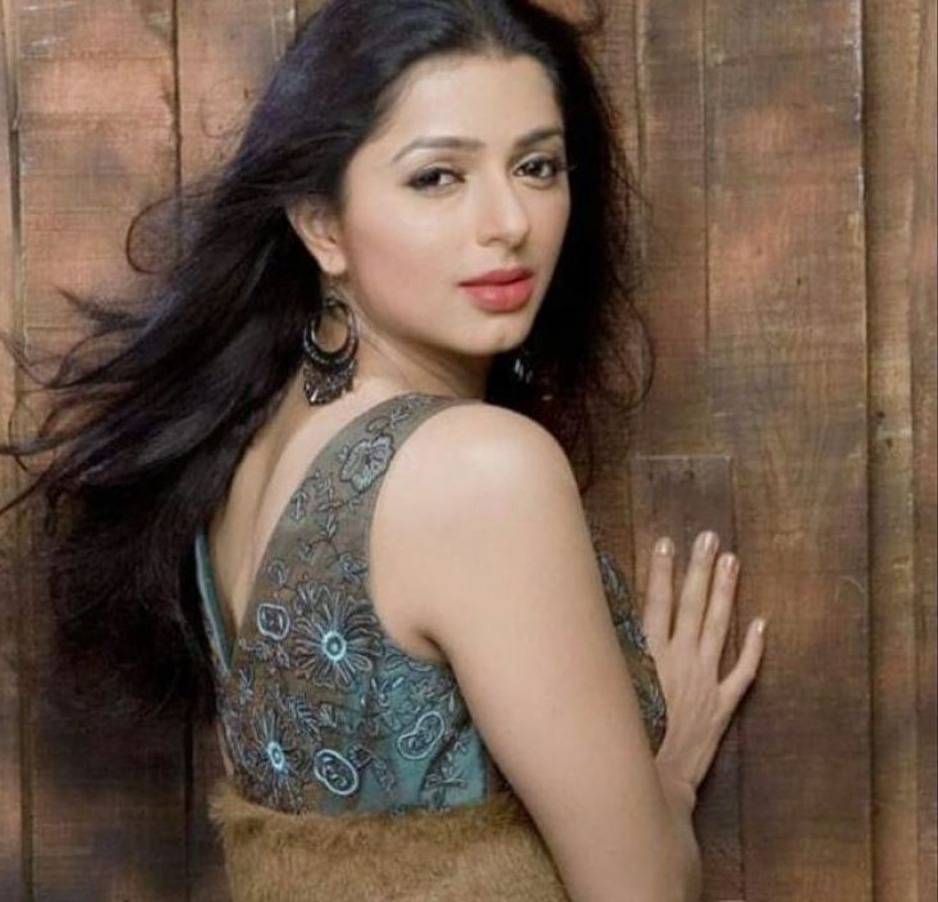 Bhumika Chawla హాట్ హాట్ ఫొటోలు: లేటు వయసులోనూ ఘాటు ఫోజులతో రచ్చ