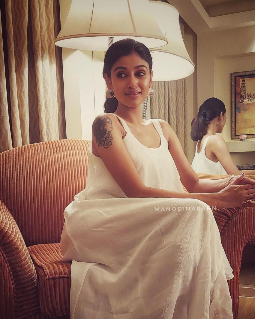 സാരി ഉടുത്ത് അതീവ സുന്ദരിയായി തമിഴ് ബിഗ് ബോസ് താരം ഓവിയ, നടിയുടെ ഏറ്റവും പുത്തൻ ഫോട്ടോസ് കാണാം