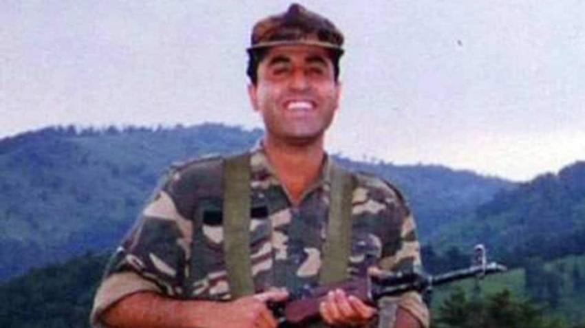 Captain Vikram Batra AKA Shershah's Viral Photos