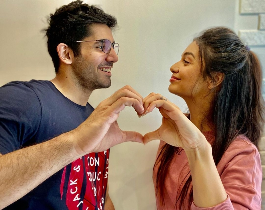 Divya Agarwal And Varun Sood's Pictures That Reflect Their Crackling Chemistry Photos