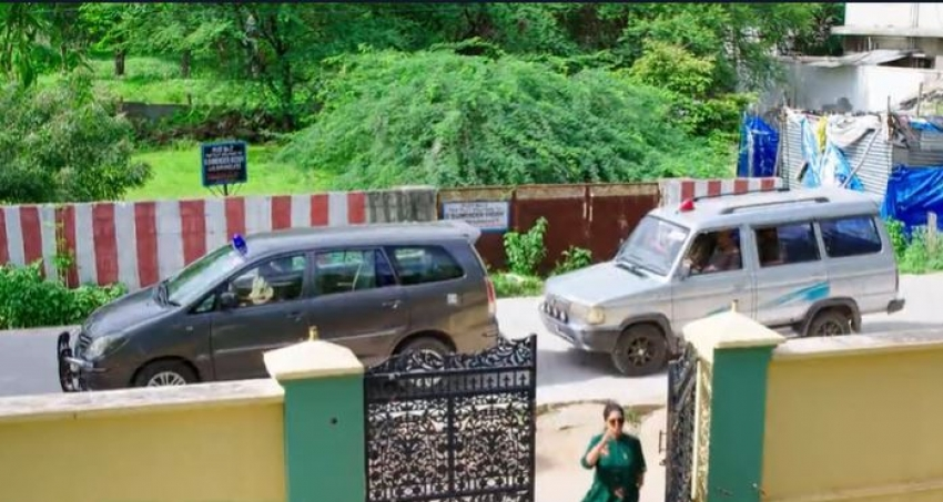 Karthika Deepam.. డాక్టర్ బాబు అరెస్ట్ వెనుక అసలు కారణమేంటి? మోనితను ఎవరు చంపారు?