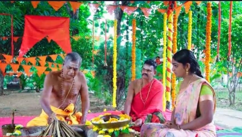 Karthika Deepam వంటలక్కపై హత్యాయత్నం.. తుపాకితో గురిచూసి కాల్చిన మోనిత!