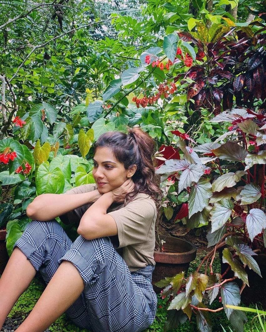 പുതിയ ലുക്കില് മഡോണ സെബാസ്റ്റ്യന്, വൈറല് ചിത്രങ്ങള് കാണാം