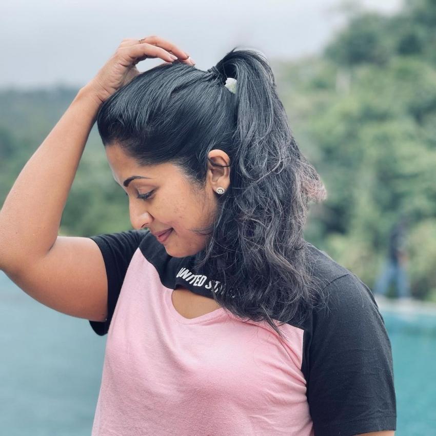 അതിസുന്ദരിയായി നവ്യാ നായര്, ഓണത്തിന് നടിയുടെ കിടിലന് ചിത്രങ്ങള്