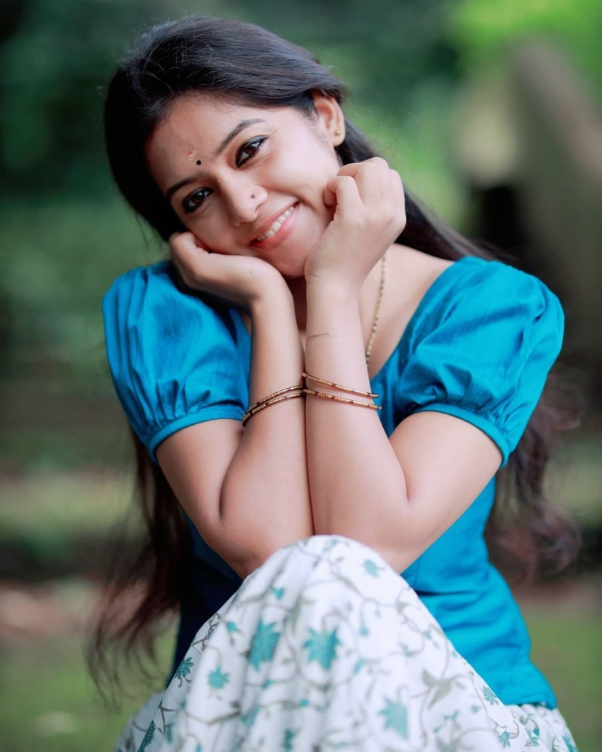 നാടൻ ലുക്കിൽ നടി ആദിത്യ പ്രസാദ്, പുതിയ ചിത്രം വൈറലാകുന്നു