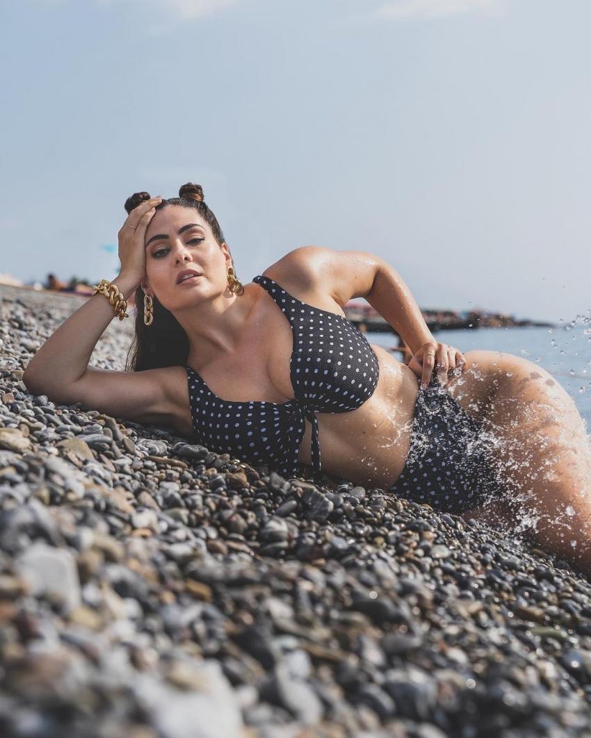 Paola Torrente Stunning Model Photoshoot Goes Viral On Internet Photos