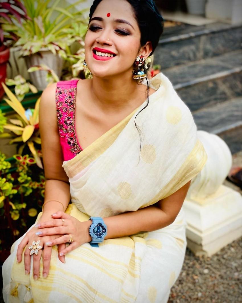 ബിഗ് ബോസ് താരവും ഗായികയുമായ അഭിരാമി സുരേഷിൻ്റെ മനോഹരമായ ഫോട്ടോഷൂട്ട്, ചിത്രങ്ങൾ കാണാം