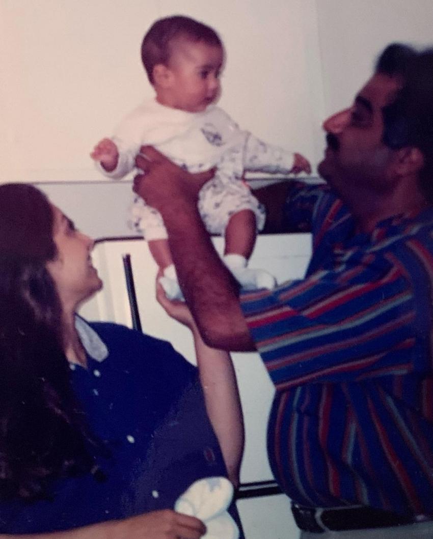 Sridevi Birth Anniversary: జాన్వీ కపూర్ షేర్ చేసిన రేర్ ఫోటోలు..మీరెప్పుడూ చూడని అతిలోక సుందరి ఫోటోలు