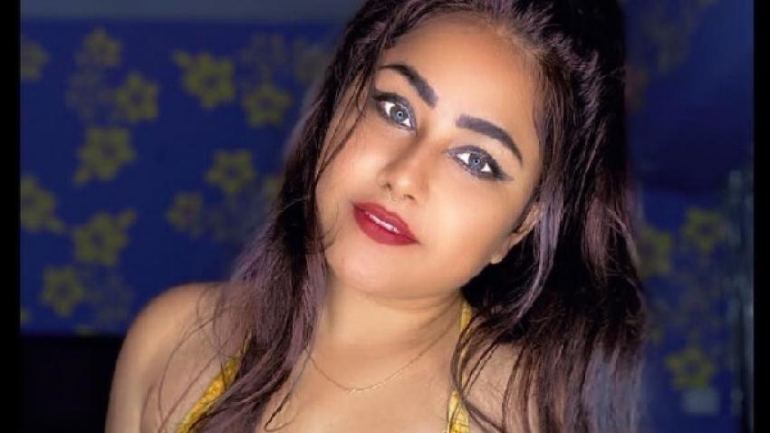 भोजपुरी एक्ट्रेस प्रियंका पंडित की ग्लैमरस तस्वीरें